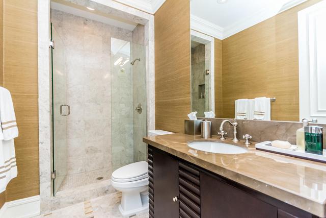 Venetian small bath